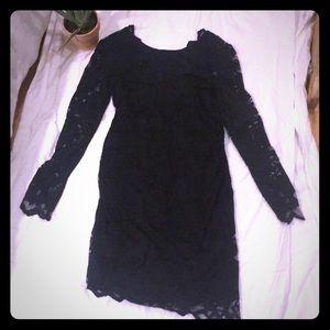 H&M MAMA LACE DRESS. KNEE LENGTH